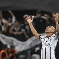 emerson-sheik-comemora-o-primeiro-gol-do-corinthians-na-libertadores-em-2015-1423095538453_956x500